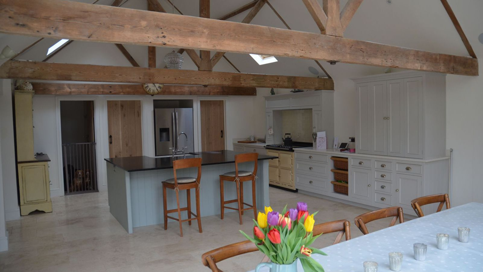 2011-ASP-Murphy-Projects-Thruxton-Interior-listed-barn-beams-